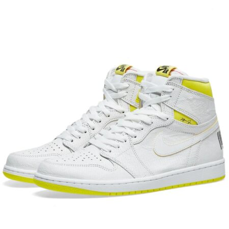 Nike Air Jordan 1 Retro High first class Flight белые с желтым кожаные мужские-женские (35-45)